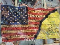Drapeau Américain En Bois. Wavy Belle Main Sculptée. Fabriqué Aux États-unis
