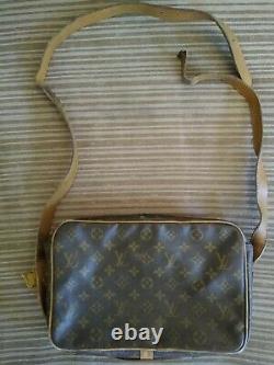 Vieux Sac Croisé Louis Vuitton En Cuir Fabriqué Dans Les États-unis